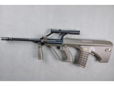 金弓 AUG A1 AEG (AU-2G, with 1.5x Optical Sight)